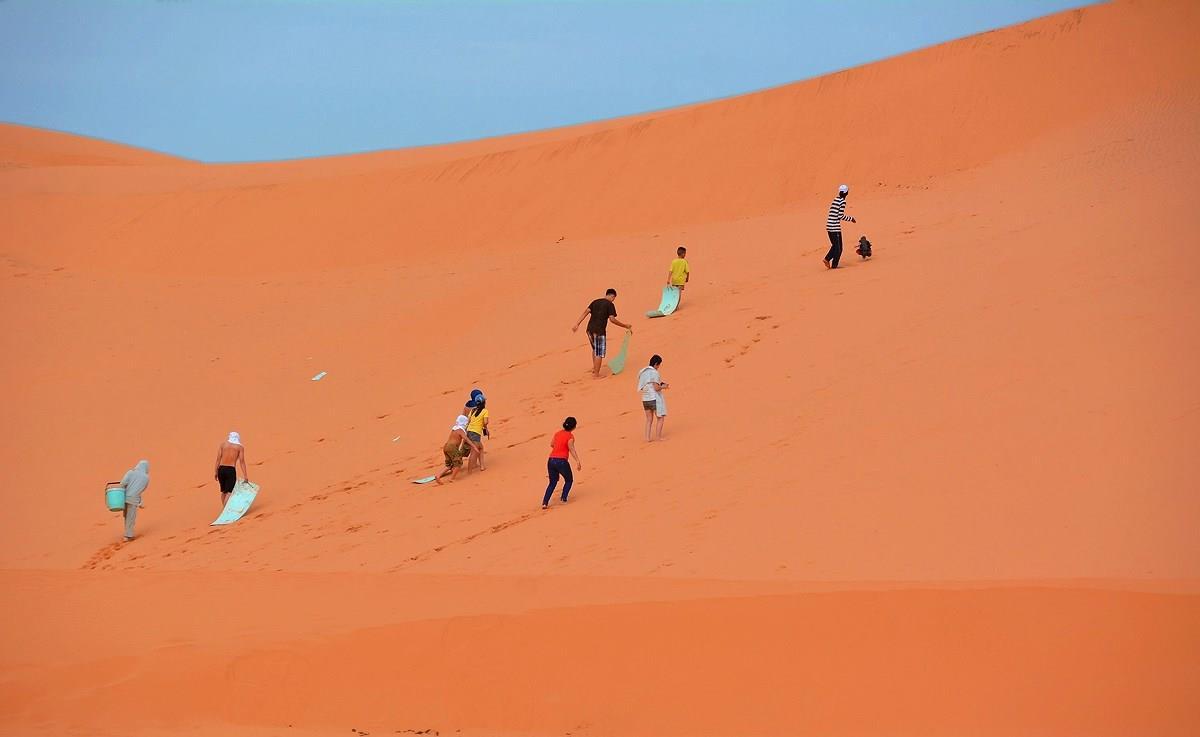 Đồi cát Đỏ, địa điểm du lịch nổi tiếng của Mũi Né
