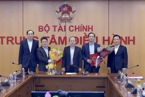 Khẩn trương đưa Sở Giao dịch Chứng khoán Việt Nam đi vào hoạt động