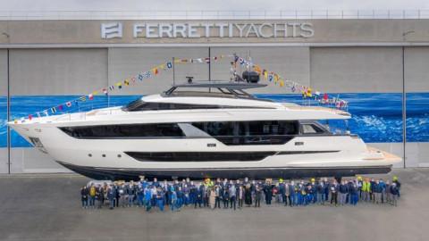 Khám phá siêu du thuyền thân rộng đầu tiên của hãng Ferretti Yachts