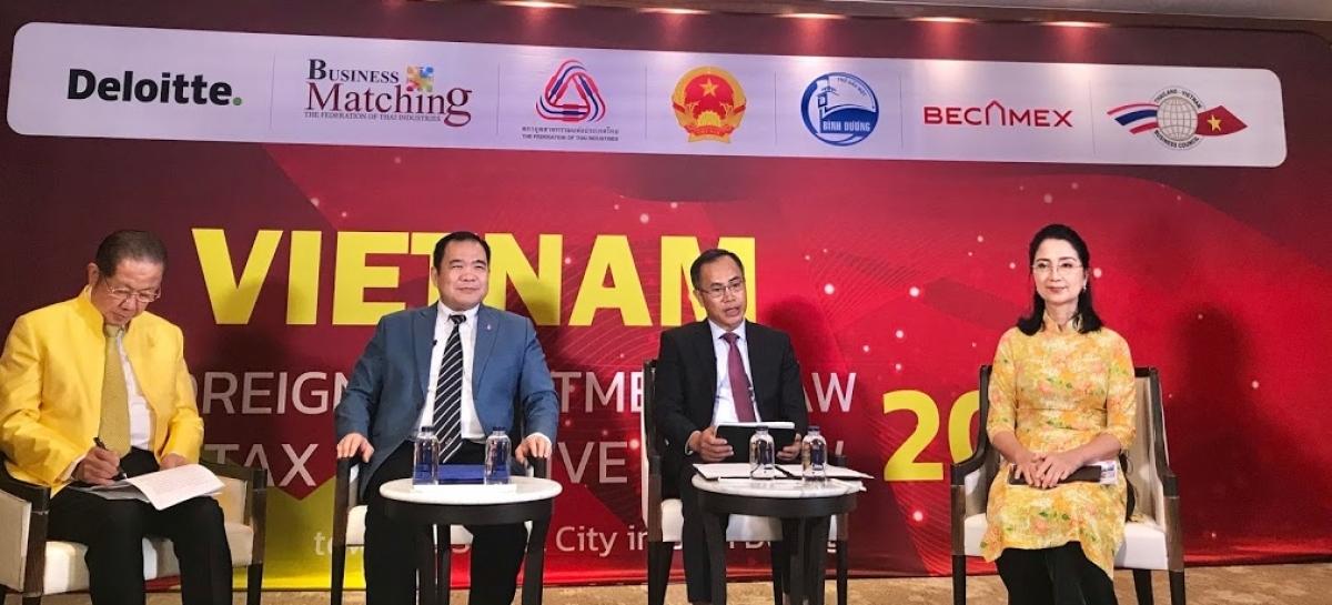 Đại sứ Việt Nam tại Thái Lan Phan Chí Thành phát biểu tại hội thảo