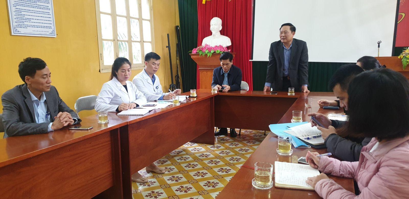 Đoàn kiểm tra Sở Y tế Hải Phòng về kiểm tra công tác triển khai tiêm vắc xin Covid - 19 cho những đối tượng ưu tiên tại TTYT quận Đồ Sơn