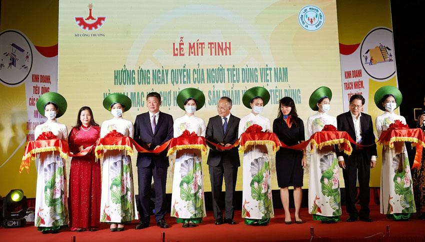 Khai mạc hội chợ hàng hóa, sản phẩm vì người tiêu dùng tại Hà Nội