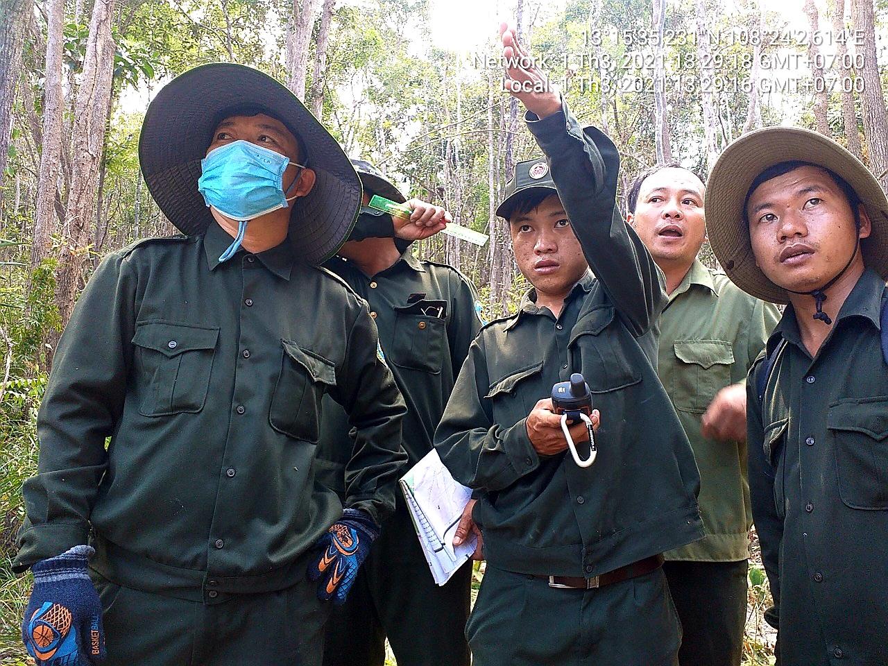 Lâu nay, những chủ rừng vẫn tay không giữ rừng, họ vẫn thiếu những chế tài làm chủ, nhưng rừng bị phá, bị lấn chiếm thì họ phải chịu trách nhiệm.