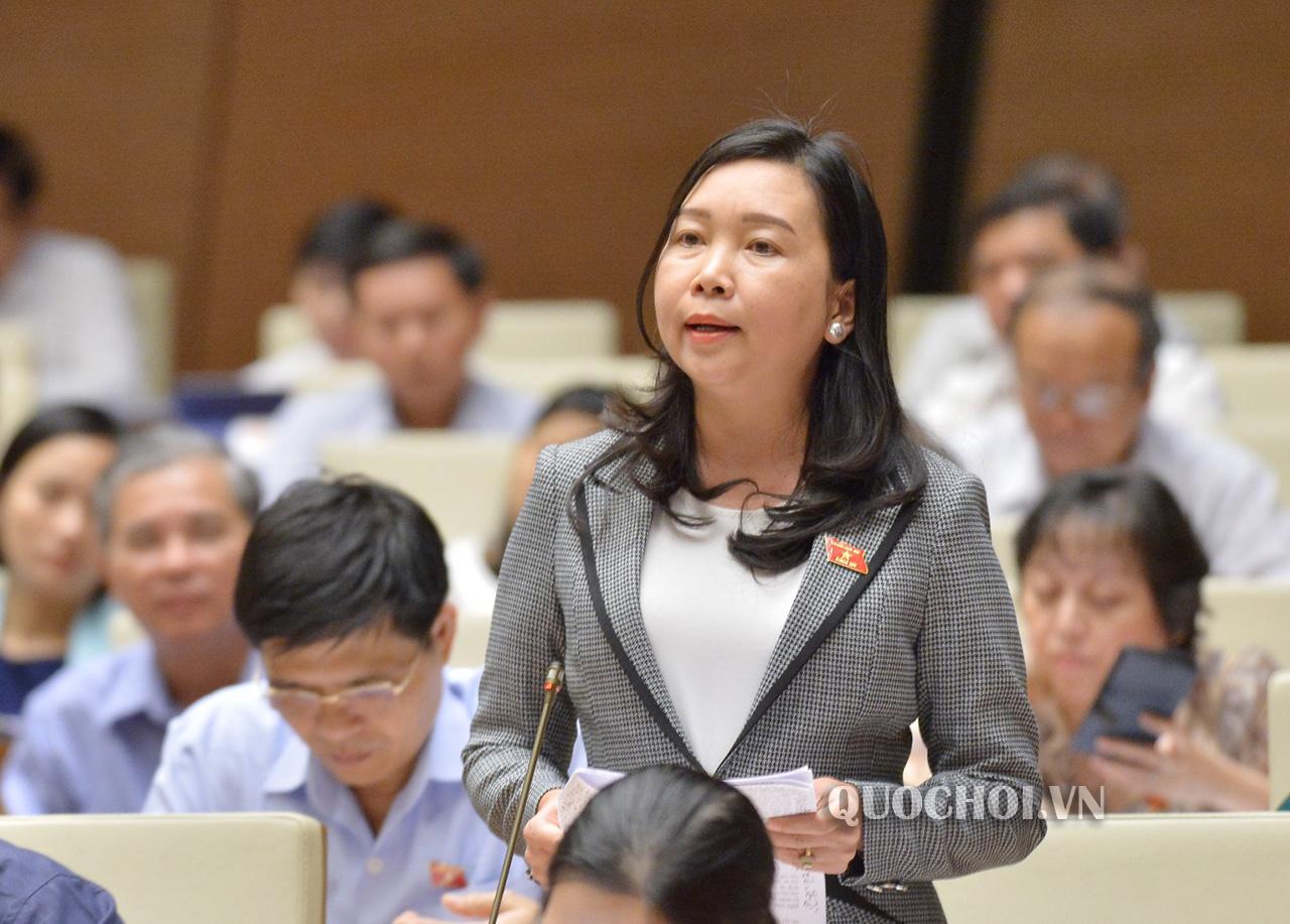 Bà Lý Tiết Hạnh- Đoàn ĐBQH tỉnh Bình Định