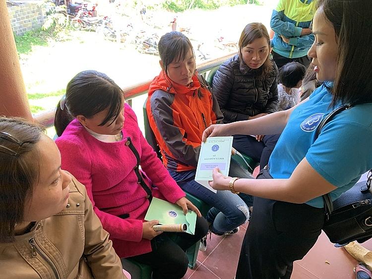 Thúc đẩy tài chính toàn diện qua việc tạo cơ hội cho phụ nữ tham gia bảo hiểm xã hội tự nguyện