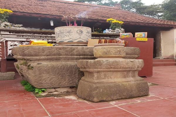 Bát san đá cổ còn lưu lại dấu tích xưa