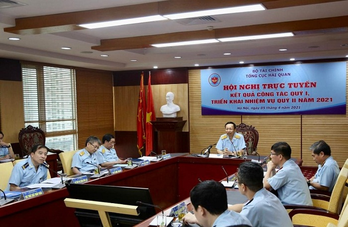 Tổng cục Hải quan tiếp tục tập trung nhiệm vụ thu ngân sách và chống buôn lậu, gian lận thuế, C/O.