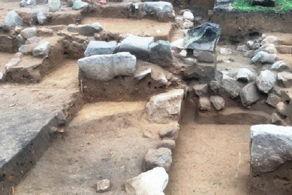 Hiện trường khai quật khảo cổ tại chùa