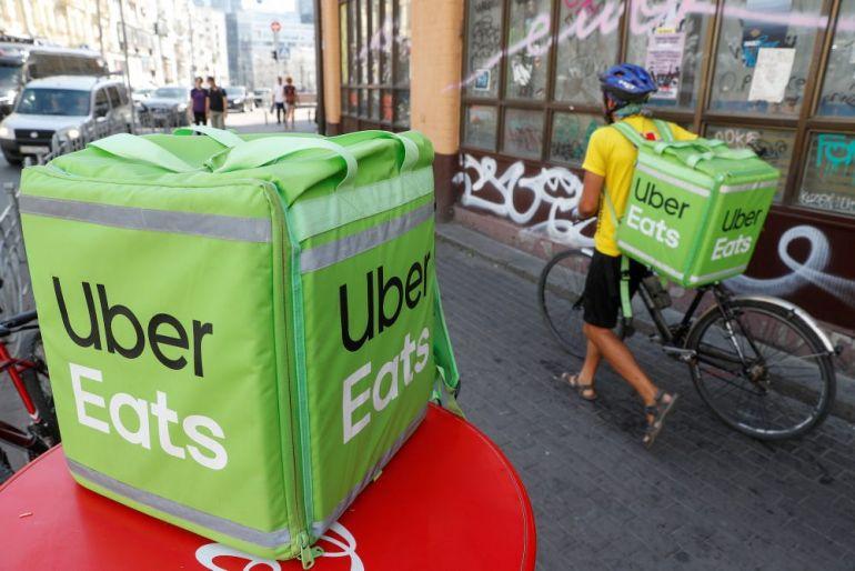 Chiến lược mà CEO của Uber đang thực hiện để lật đổ đối thủ lớn nhất là DoorDash trong mảng dịch vụ giao đồ ăn