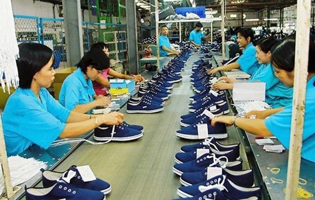 Mẫu mã không hấp dẫn khiến sản phẩm Giày Thượng Đình chỉ bán giá rẻ, tiêu thụ kém
