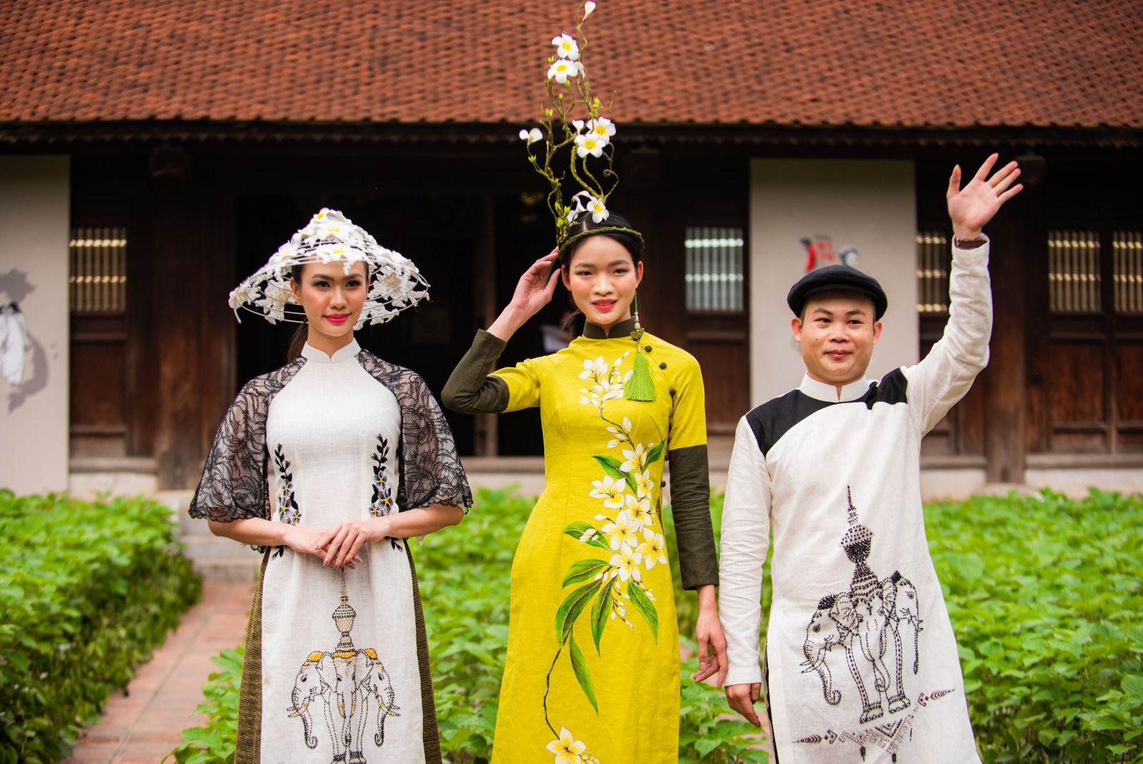 """Bộ sưu tập áo dài """"Chăm pa khoe sắc"""" của NTK Trung Beret"""