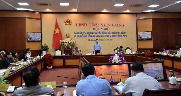 Phó Chủ tịch UBND tỉnh Nguyễn Lưu Trung phát biểu chỉ đạo tại hội nghị