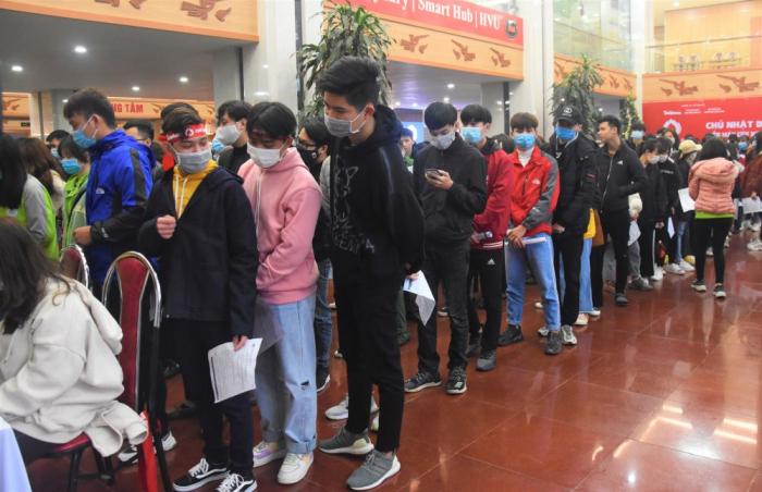 Đoàn viên thanh niên Đại học Hùng Vương (Phú Thọ) tham gia hiến máu nhân đạo.