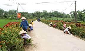 Một tuyến đường giao thông nông thôn ở huyện Thanh Ba (Phú Thọ) dó phụ nữ tự quản.
