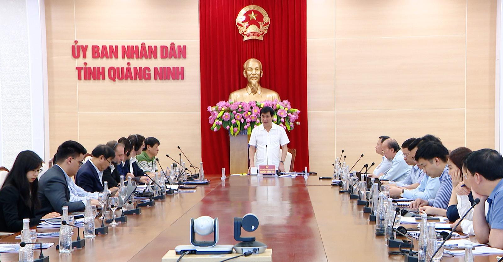 Ông Nguyễn Tường Văn, Chủ tịch UBND tỉnh Quảng Ninh phát biểu tại buổi làm việc.