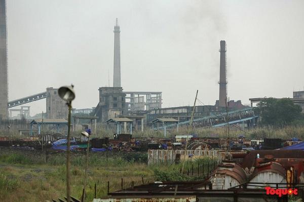 Dù được đầu tư hơn 4.400 tỉ đồng nhưng đến nay Dự án mở rộng gang thép Thái Nguyên vẫn ngổn ngang như một nơi tập kết đang bị hoang hóa