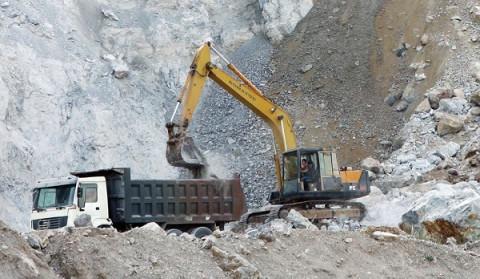 """""""Thông đường"""" cho các mỏ vật liệu phục vụ Dự án đường bộ cao tốc Bắc – Nam"""