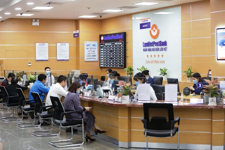 Các ngân hàng không ngừng mở rộng mạng lưới, gia tăng tiện ích, tăng khả năng tiếp cận vốn