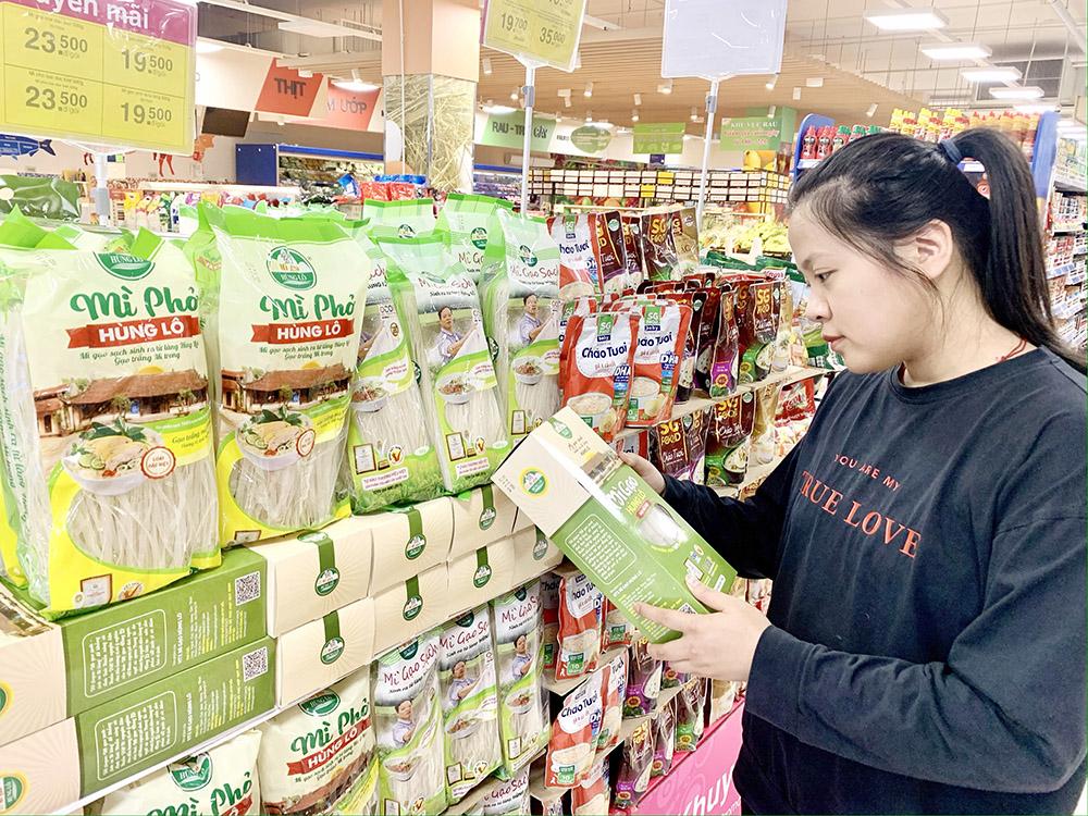 Mì gạo Hùng Lô được bán tại siêu thị Co.opmart Việt Trì, Phú Thọ