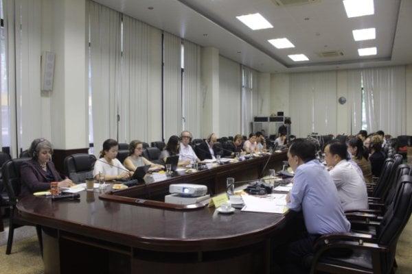 Tham dự cuộc họp còn có gần 50 đại biểu đến từ các bộ, ngành, các cổ chức phát triển trong và ngoài nước, các chuyên gia hoạt động về tiết kiệm năng lượng.