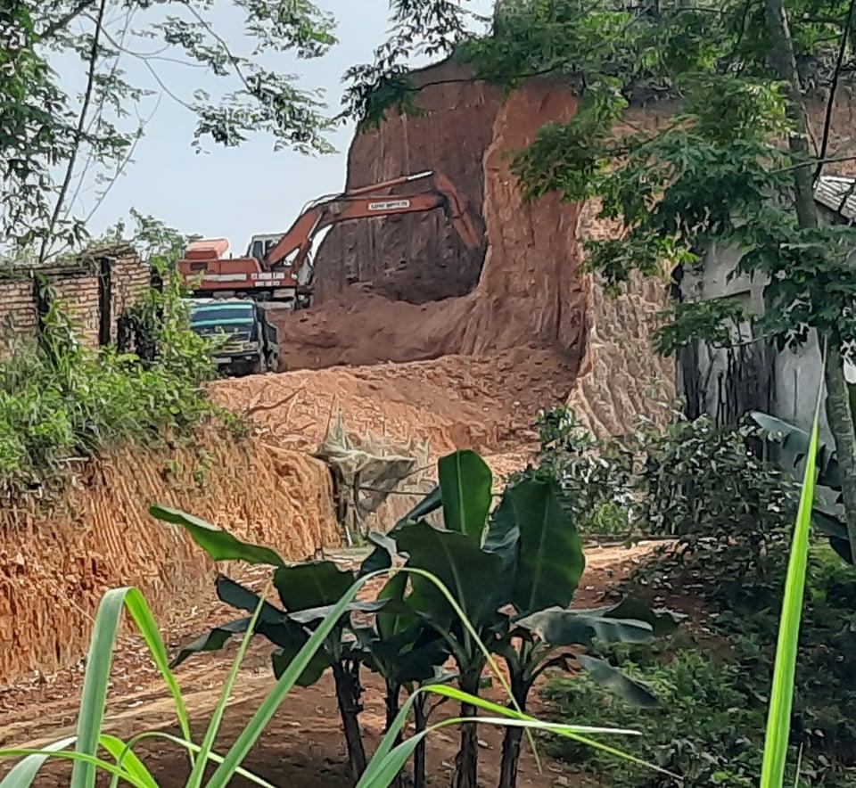 Khu 6 xã Thọ Văn, Tam Nông (Phú Thọ) cũng trong tình trạng tương tự.