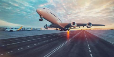 Nguyên do nào khiến ngành hàng không nước Mỹ chưa thể hoàn toàn phục hồi mặc dù số lượng du lịch vẫn tăng?