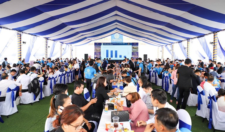 Hàng trăm khách hàng tìm hiểu cơ hội đầu tư Century City tại sự kiện cuối tuần qua