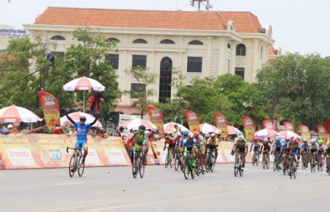 Quảng Bình: Trao giải chặng thứ 9 giải đua xe đạp toàn quốc tranh cup truyền hình TP Hồ Chí Minh 2021
