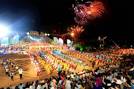 Chương trình Carnaval Hạ Long điểm nhấn với người dân và du khách khi về Quảng Ninh