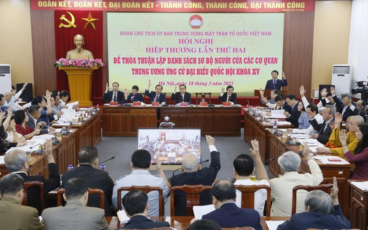 Hội nghị hiệp thương lần thứ hai đã thông qua danh sách 205 người được các cơ quan, tổ chức, đơn vị ở Trung ương giới thiệu ứng cử đại biểu Quốc hội khóa XV.