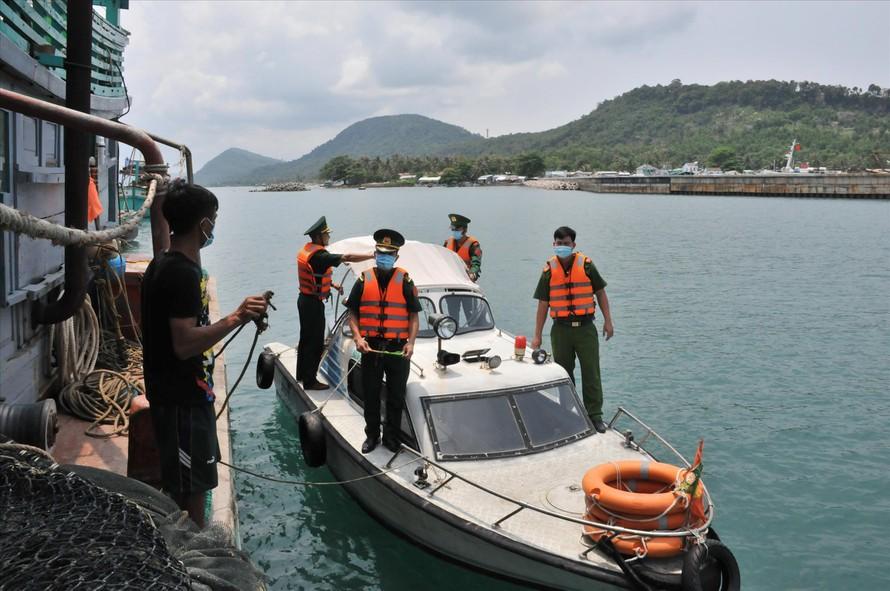Lực lượng biên phòng, cảnh sát biển tăng cường tuần tra ở Phú Quốc, Kiên Giang
