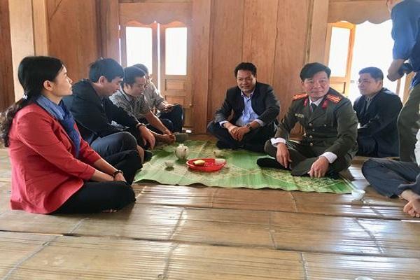 Lãnh đạo huyện Quan Sơn thăm khu Sa Ná mới