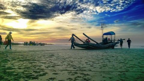 Hội Nông dân và Bộ đội biên phòng tỉnh Nam Định kết hợp giữ gìn an ninh trật tự biên giới biển
