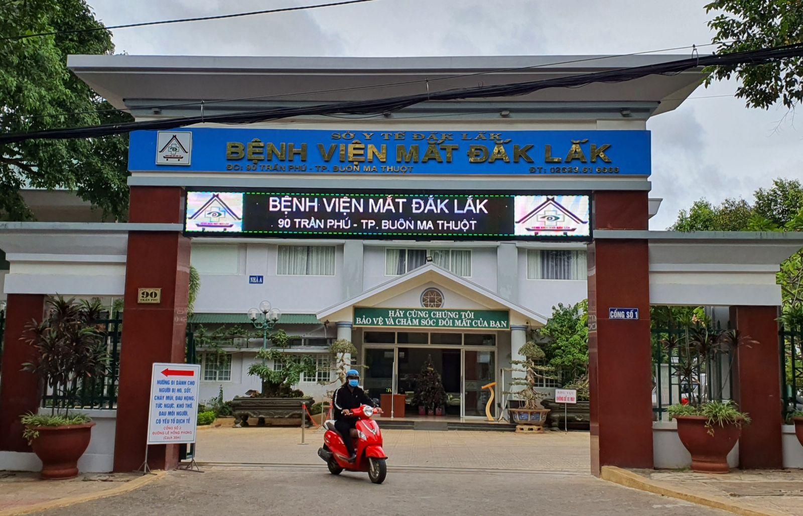 - Bệnh viện Mắt tỉnh Đắk Lắk tại 90 Trần Phú, phường thành công, tp Buôn Ma Thuột là địa chỉ đáng tin cậy cho người bệnh về mắt đến khám và điều trị.