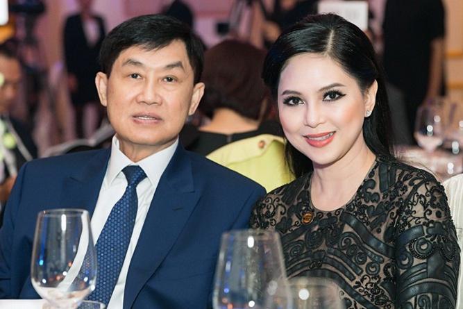Vợ chồng đại gia hàng hiệu Jonathan Hạnh Nguyễn và Lê Hồng Thủy Tiên.