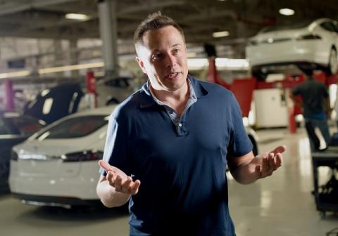 Sau tai nạn xe Tesla, tài sản của Elon Musk hụt gần 6 tỷ USD