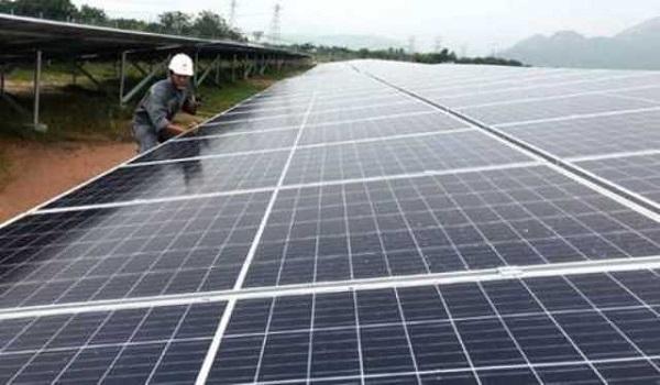 Nghệ An chỉ đạo rà soát các vấn đề liên quan đến phát triển điện mặt trời trên địa bàn