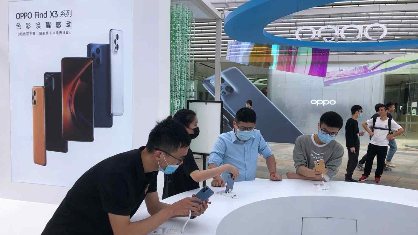 Một cửa hàng Oppo ở Quảng Châu: Mạng lưới cửa hàng rộng khắp của thương hiệu này đã giúp thúc đẩy tăng trưởng doanh số bán hàng của hãng tại Trung Quốc.