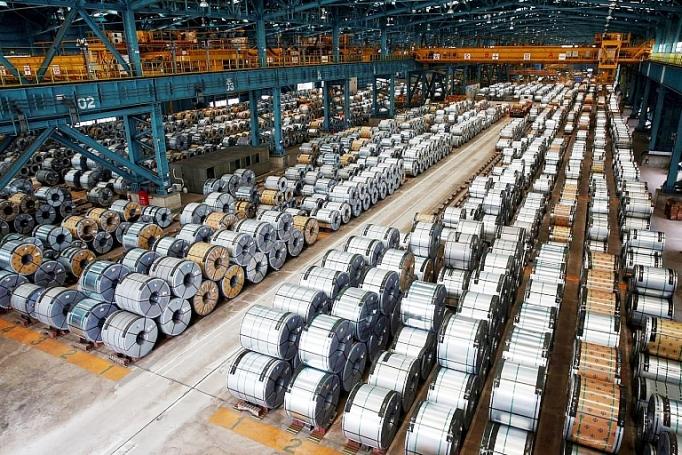 Ngoài sản phẩm tôn mạ xuất khẩu và thép cán nguội xuất khẩu từ Việt Nam, nhiều mặt hàng có nguy cơ bị các quốc gia nhập khẩu áp thuế chống bán phá giá và chống trợ cấp do nghi ngờ về xuất xứ. Ảnh minh hoạ