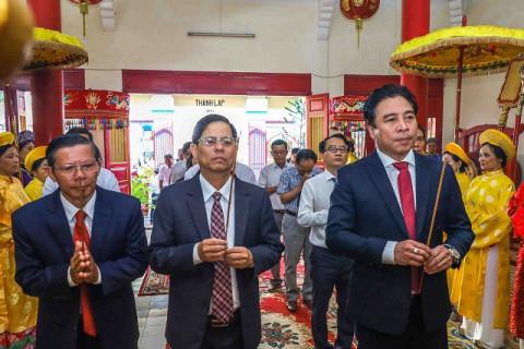 Lễ dâng hương Giỗ Tổ Hùng Vương tại Khánh Hòa