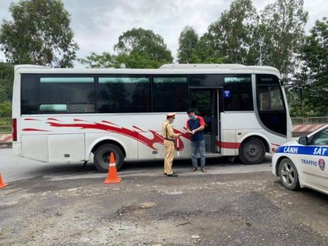 Quảng Ninh yêu cầu xử lý nghiêm nếu doanh nghiệp vận tải tăng giá vé và chở quá số người quy định dịp nghỉ lễ