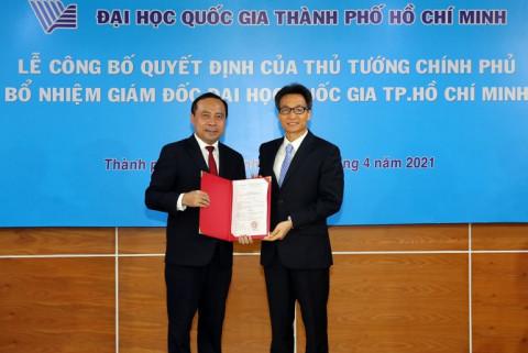 Phó Thủ tướng Vũ Đức Đam trao quyết định bổ nhiệm Giám đốc ĐHQG TP. Hồ Chí Minh