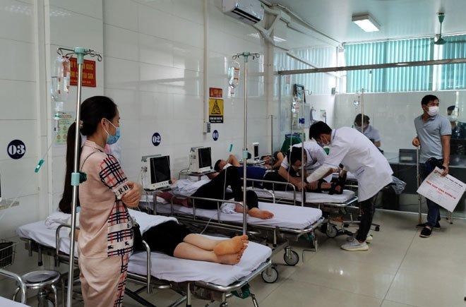 13 công nhân đã kịp thời được đưa đến bệnh viện điều trị