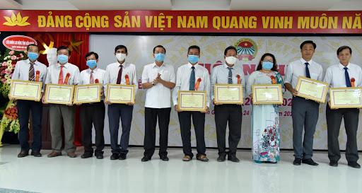 Nông dân Kiên Giang đã xuất hiện nhiều cá nhân xuất sắc, điển hình tiên tiến được các cấp hội và chính quyền khen thưởng