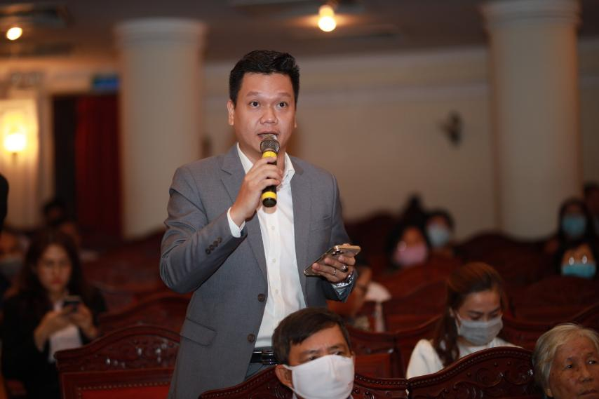 Cổ đông đặt câu hỏi cho Ban điều hành HDBank tại Đại hội