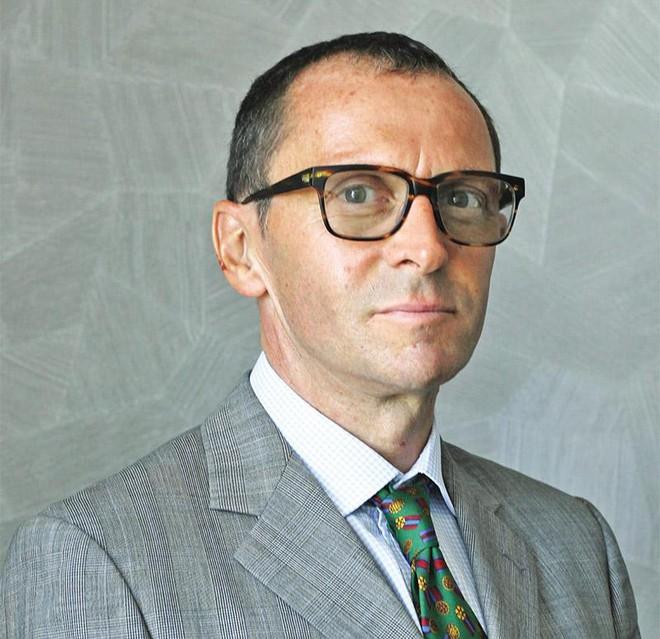 Ông Nick Ainsworth, Phó giám đốc tiếp thị của Dragon Capital
