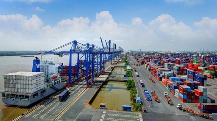 Khu vực đầu tư nước ngoài xuất siêu 14,4 tỷ USD trong 4 tháng đầu năm