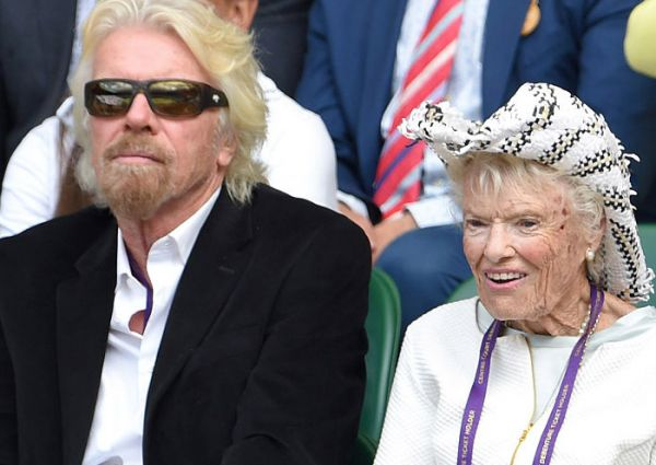 Bà Eve Branson và con trai Richard Branson