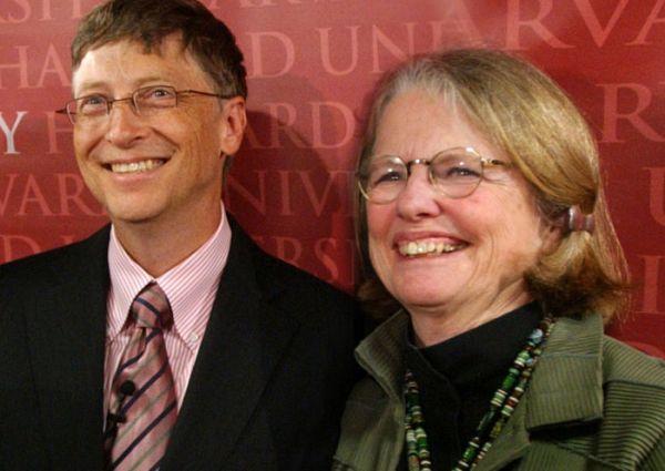 Mary Maxwell Gates và Bill Gates