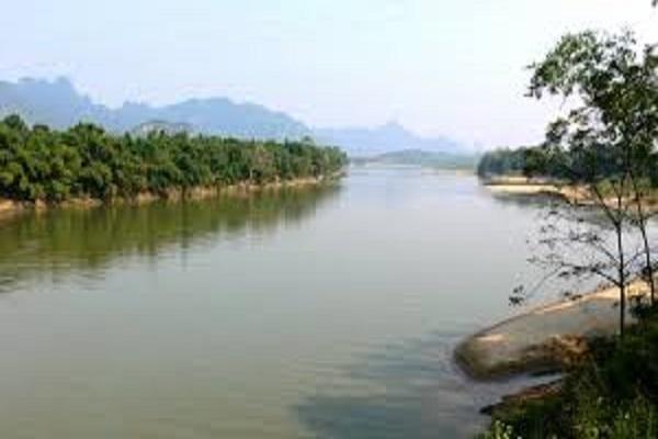 Dòng sông mã bình yên chảy